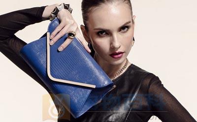 手拿包什么牌子好让你美丽得让人移不开眼睛——购物百科
