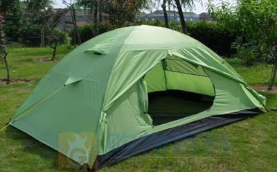 野外帐篷是撑在地上遮蔽风雨﹑日光并供临时居住的棚子——购物百科